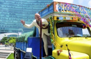 amazon withdraw from India jeff bezos